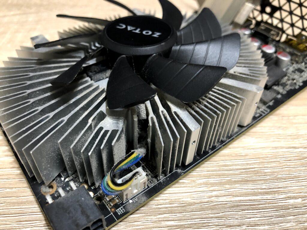 ZOTAC GeForce GTX 1060 6GB ファンの配線位置を確認